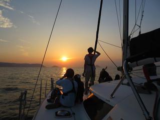 瀬戸内海の美しいサンセットクルーズ体験