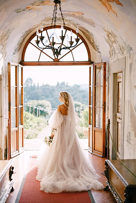 Wedding at an old winery villa in Tuscan