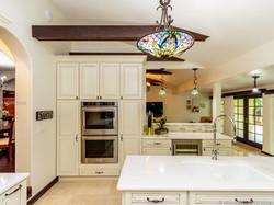 Kitchen toward family.jpg