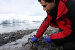 foto JP Monras muetreando Antartica