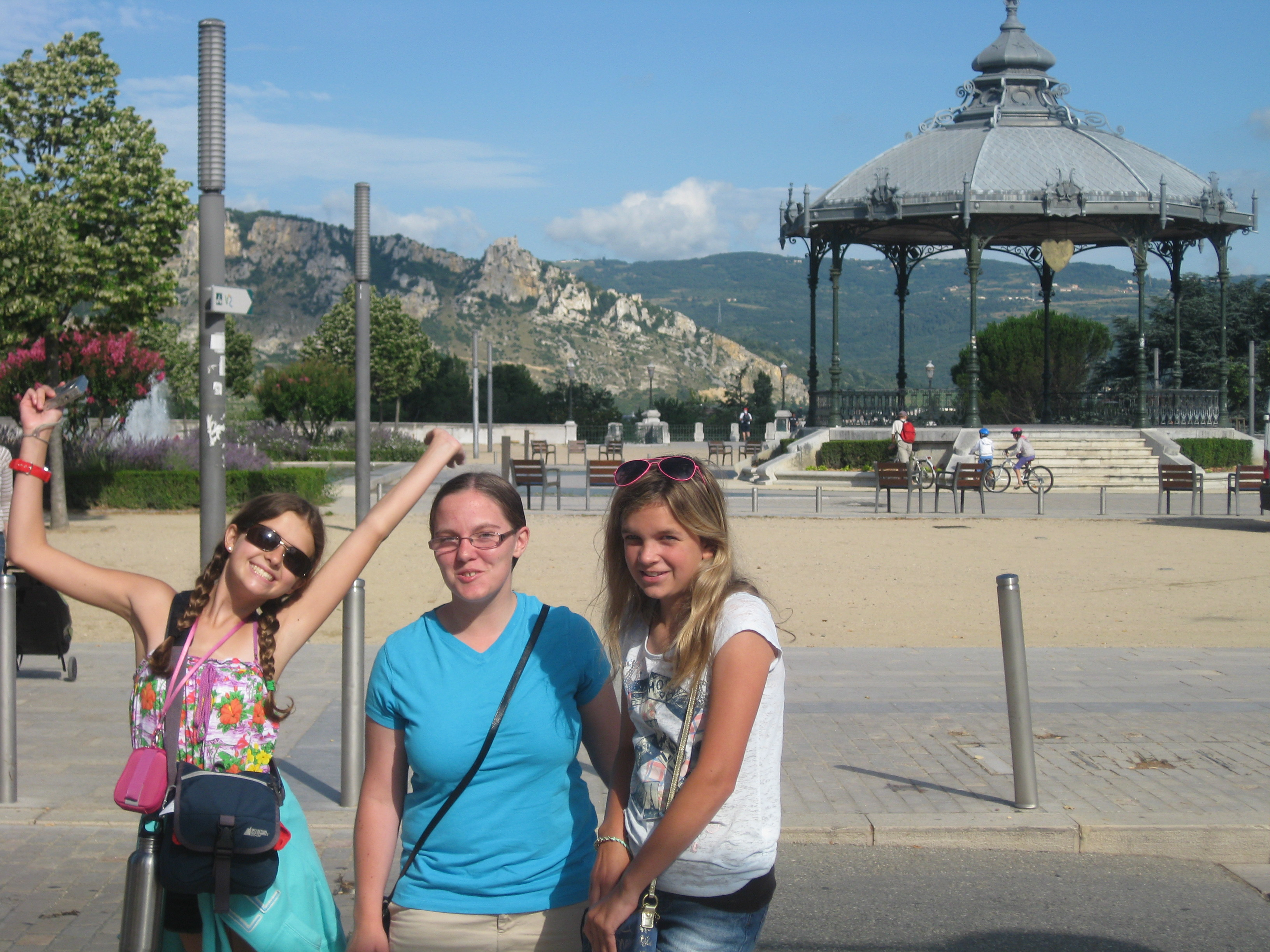 Quincy, Emily and Lauren at Parc Jouvet
