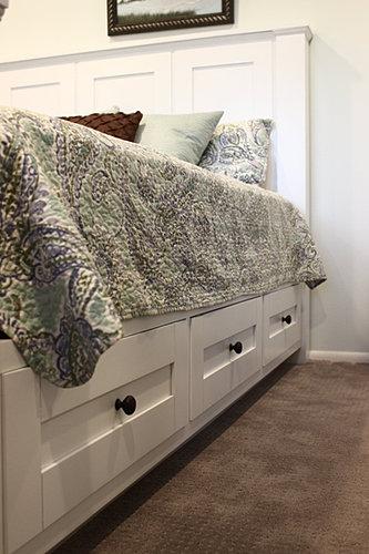 hartford tv lift footboard. Black Bedroom Furniture Sets. Home Design Ideas