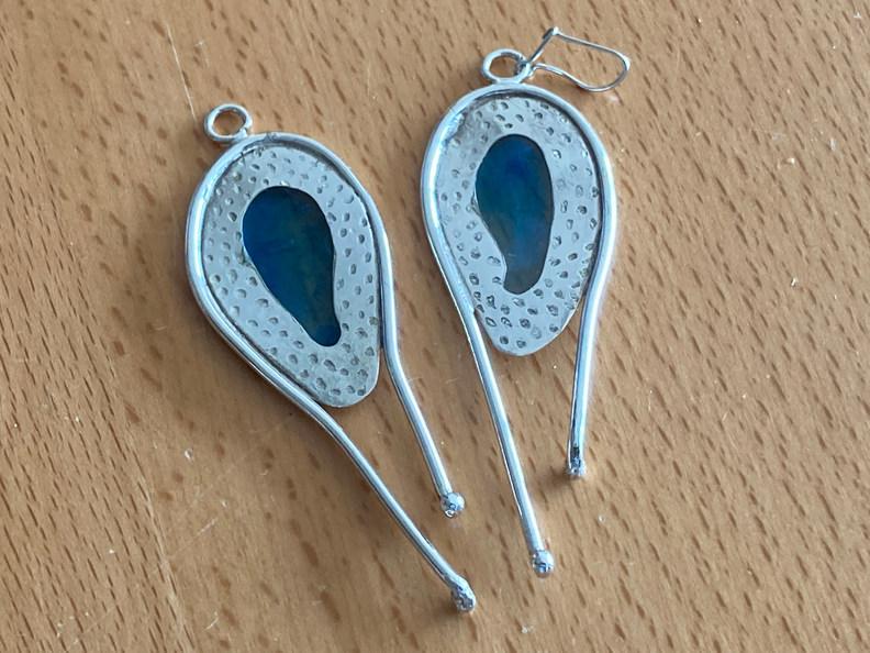 Zilveren oorbellen met kunsthars