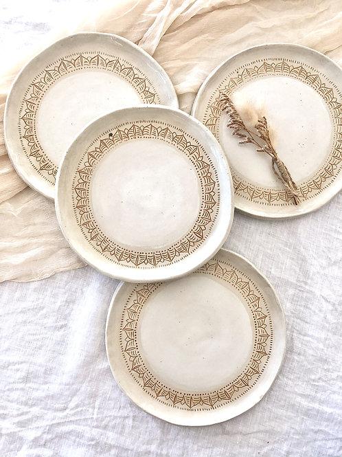 Belongil plate set of 2