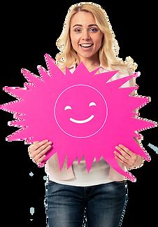 femme blonde blanche portant panneau bulle rose avec smiley