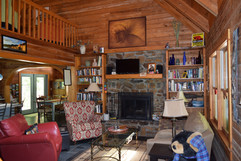 Creekside Paradise Living Room.JPG