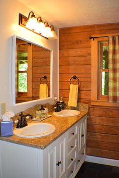 Bathroom at Creekside Paradise.JPG