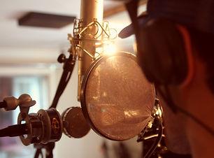 Singer%20Mic_edited.jpg