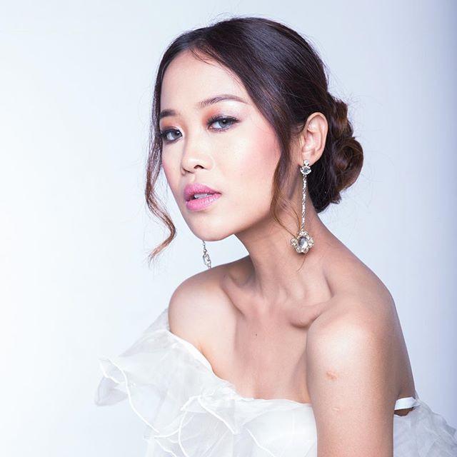 Sri Azni | Bridal Makeup & Hair