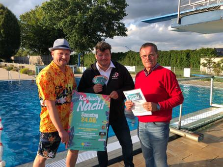 25 Freikarten an Gewinner des Drachenbootrennens übergeben