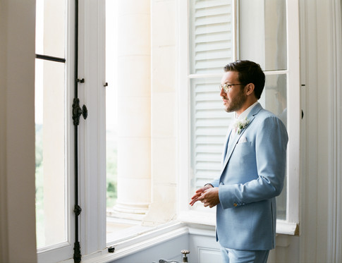 Groom alone in Chateau d'Azy - David Brenot Film photographer