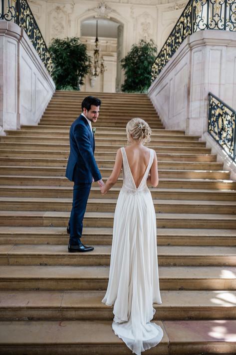 Photographie des mariés Escalier Gabriel Dijon