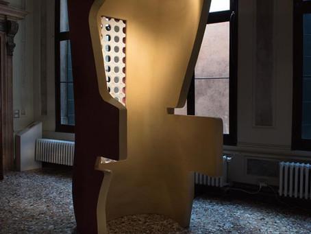 Scultura in mostra a Palazzo Michiel, Venezia.