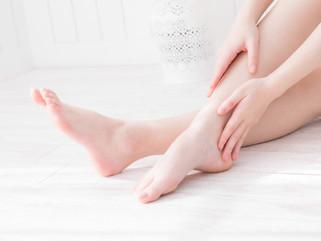 足首をひねってもいないのに、足をついただけで痛みが・・・。これって一体!? #足首の痛み #アンダープロネーション #オーバープロネーション #アーチ構造 #インソール #捻挫 #スポーツ障害