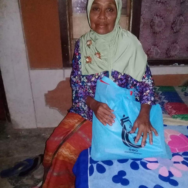 an old lady in Buleleng