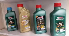 Troca de óleo revisão filtro de óleo Mobil Castrol Pneus&Cia Alphaville