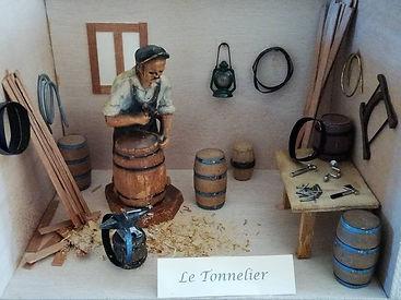 Métier_autrefois_-_Le_Tonnelier.jpg