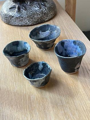 Set of 4 decorative mini cups
