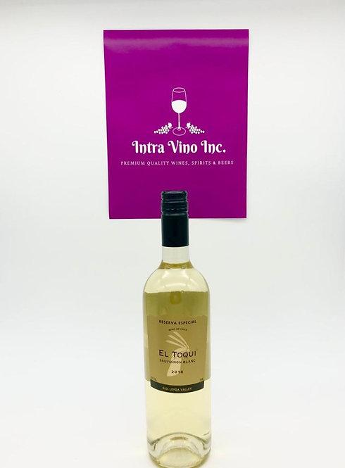 El Toqui Sauvignon Blanc in original packaging