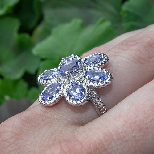 Tanzinite Flower Ring