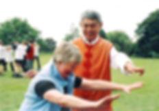 Den kinesiske legen og tai chi-mesteren Dr. Shen Hongxun utviklet BUQI-terapi og Taijiwuxigong