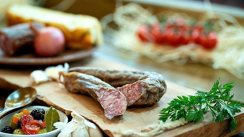 Lamb sausage extra dried