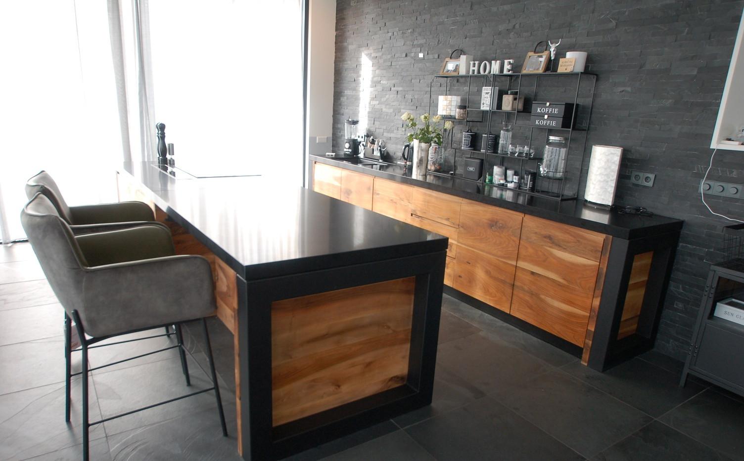 Keuken kompleet, walnoot in olie, stalen p