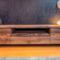 tv kast natura walnoot design Alex Spaic
