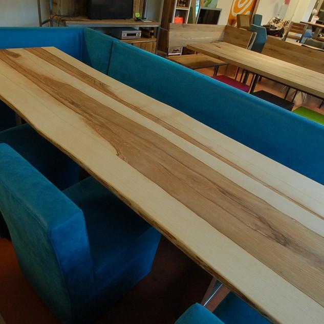 Essen hout boomstam tafel