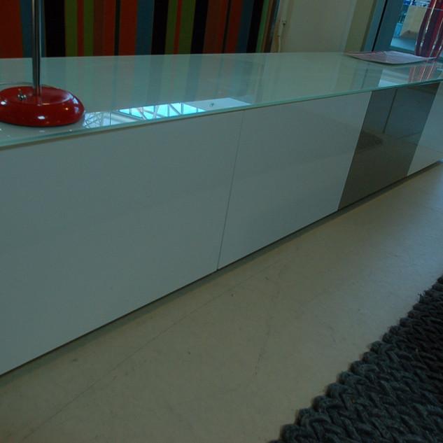 Hoogglans wit met glazen top tv kast
