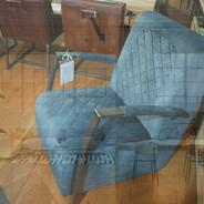 stoel design velvet_edited.jpg