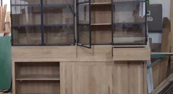 Kasten eiken hout met staal