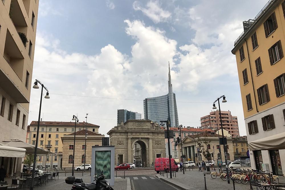 近代的なビルが立ち並ぶガリバルディ地区|Milano ミラノ