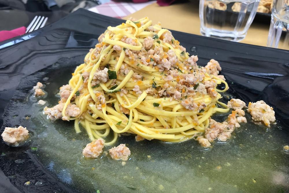 うさぎ肉のパスタ Torino トリノ