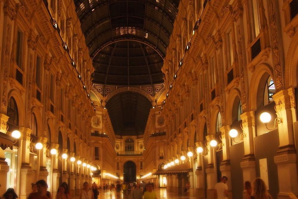Galleria Vittorio Emanuele II ヴィットーリオ・エマヌエーレ2世のガッレリア