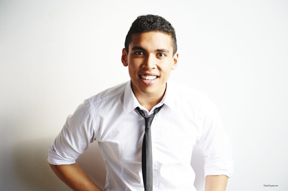 Daniel Fernandes is a Toronto based producer, director, writer, and performer hailing from Edmonton, Alberta.