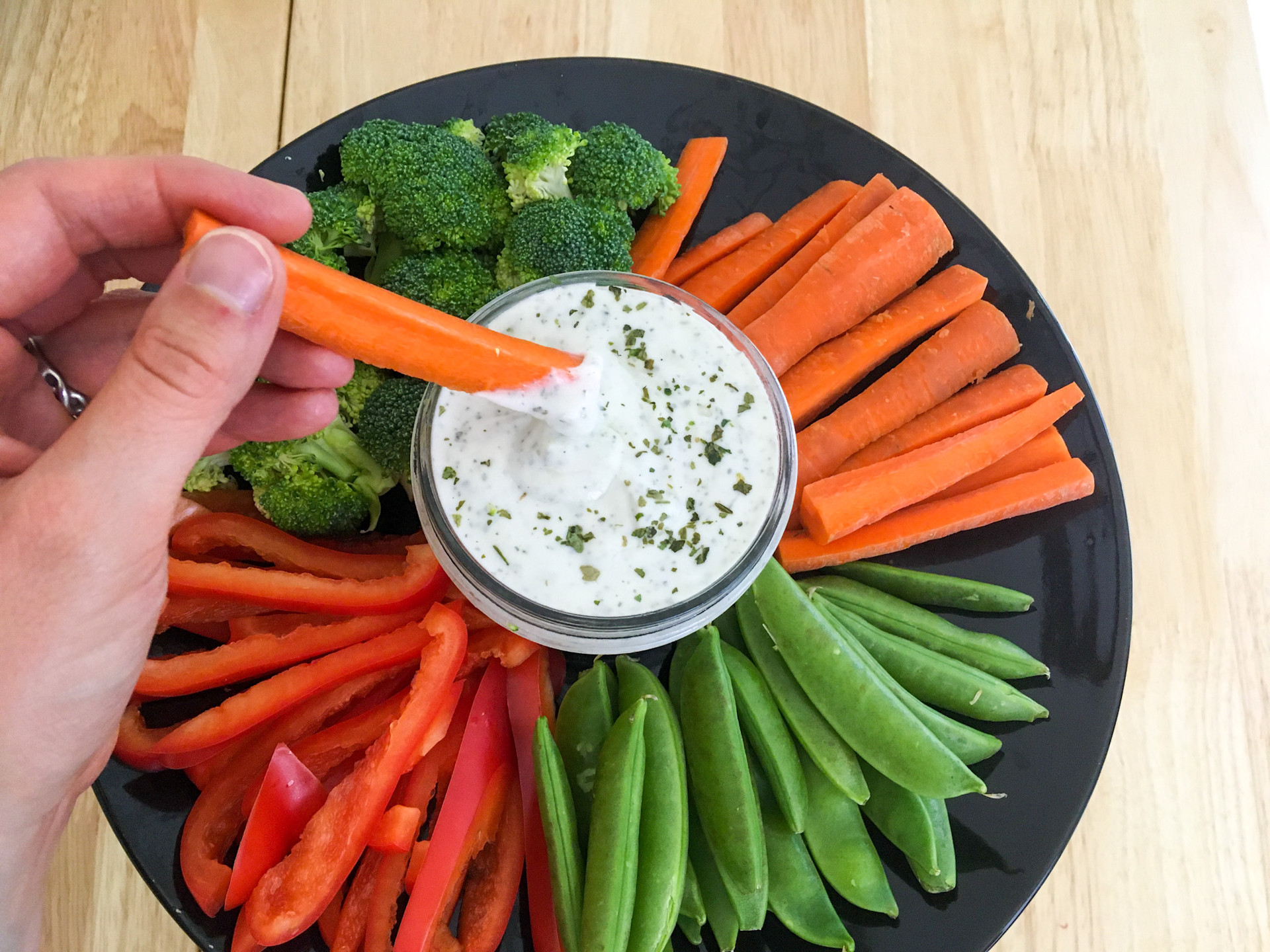 Peas, Carrots, Bell Peppers, Broccoli, Greek Yogurt, Parsley, Ranch Dressing, 5 minutes, Preservative Free, Sugar Free, Gluten Free, Healthy Sides, Quick and Easy Recipes