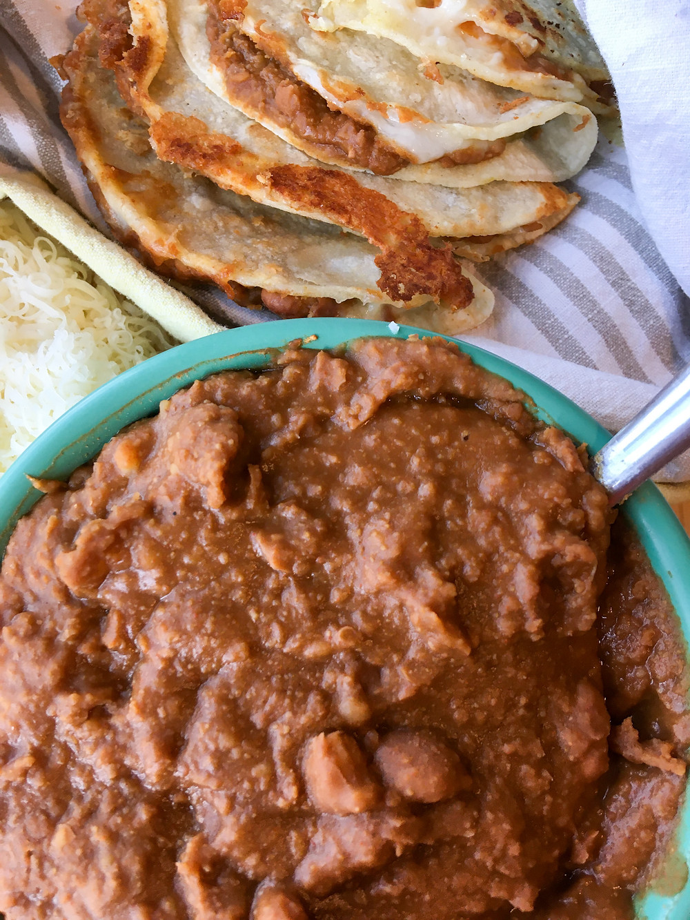Refried beans, Beans, Pinto Beans, Quesadilla, Cheese, Instant Pot Recipes, Dairy Free Recipes, Gluten Free Recipes, Fat Free Recipes, Preservative Free Recipes, Easy Recipes, Healthy Food
