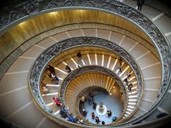 Escada Helicoidal de Giuseppe Momo. Museu Vaticano.
