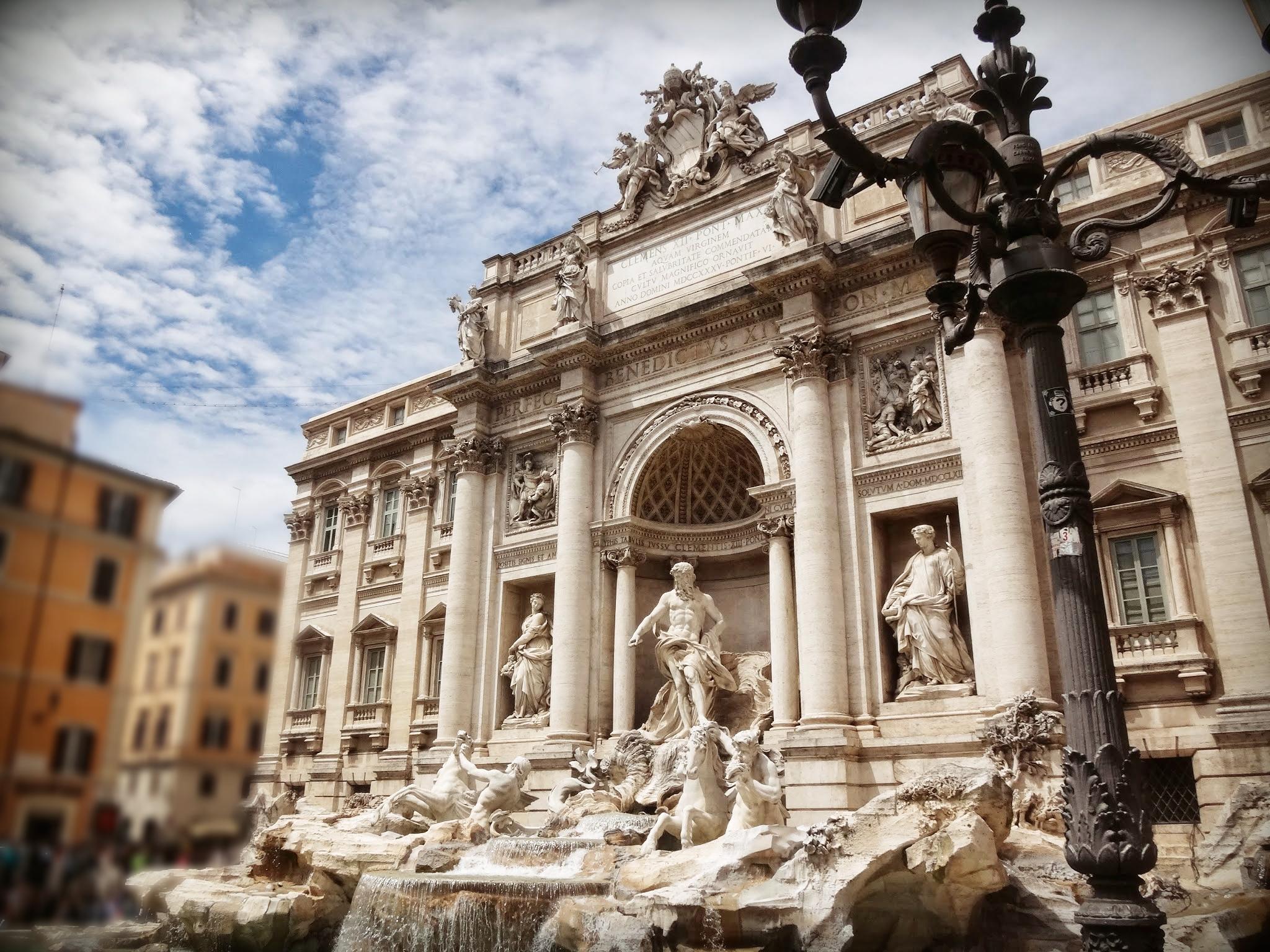 Nicola Salvi: Fontana di Trevi, 1762. Roma