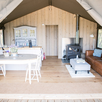 safari-tent-living-1-1000.jpg