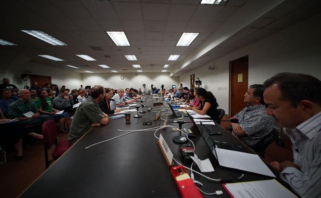 Civil Beat Column: Legislature Could Quickly Raise Minimum Wage Next Year