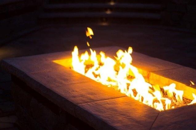 Gas firepit