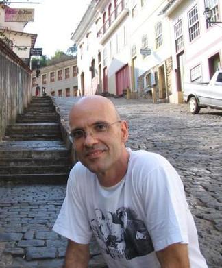 Uma biblioteca digital e um banco de dados digitais de literaturas de língua portuguesa