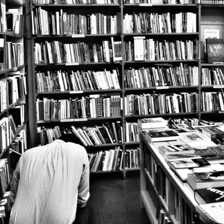 O bibliotecário e a ética profissional: o trabalho em sua dinâmica moral