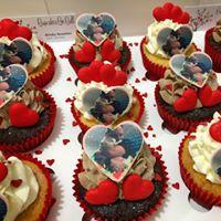 Photo Topper Cupcakes.jpg