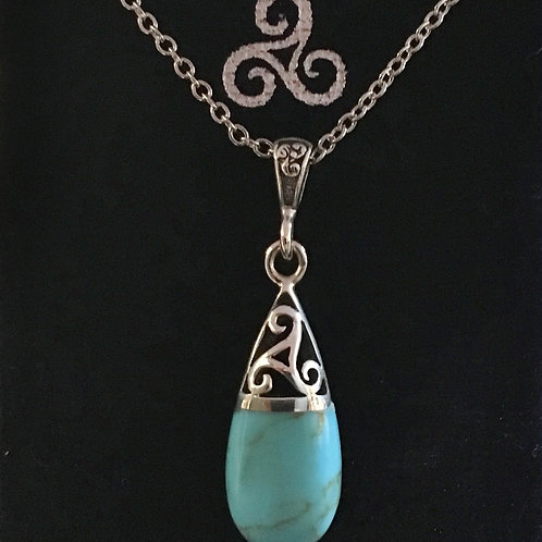 Pendentif triskell turquoise