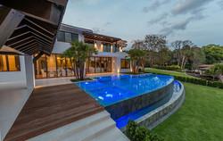 custom-infinity-edge-pool-on-lake5