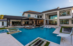 custom-pool-with-swim-up-bar-and-fire-features-1