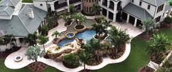 luxury-pool-with-island